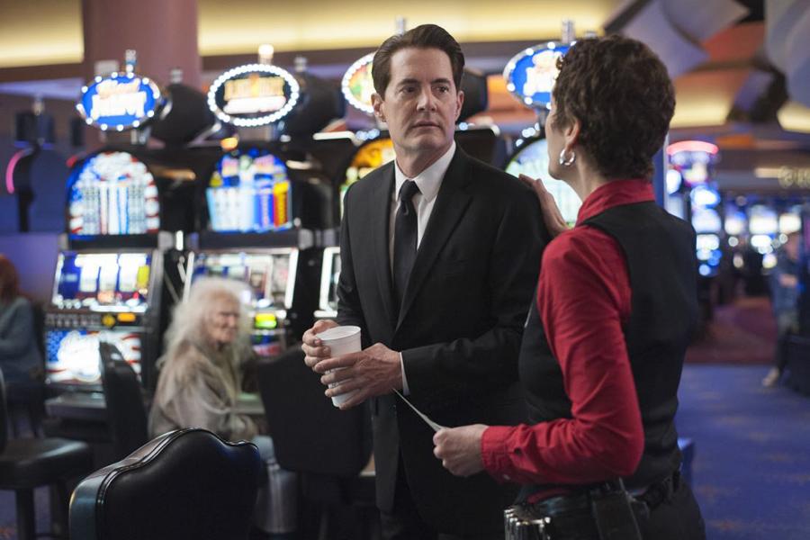 Slot machine by chris lynch wiki savannah hotels midnight gambler casino