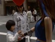 Rucia bring the ballon for the girl