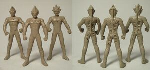 Ultimate-Collection-Tiga-statues.jpg