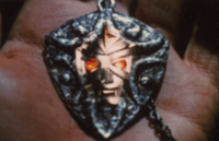 Mirror pendant (mirrorman)