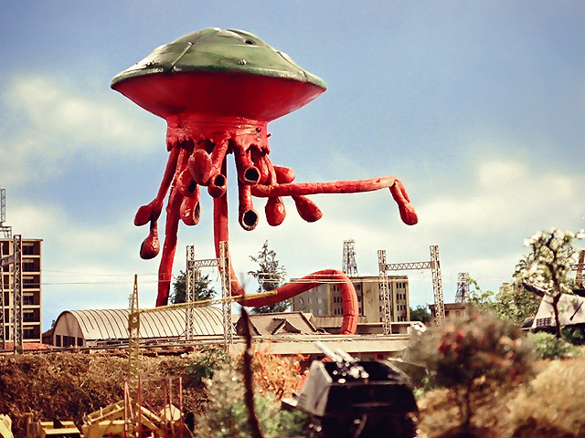 Terror of the Saucer Race Series - Leo Is in Danger! The Assassin Is a Flying Saucer