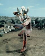 Ultraman-Taro 12