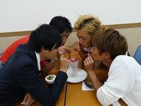 Hassei, Takeshi Tsu, Yoshi & Taiyo drink