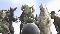 ウルトラマン80 VS クレッセント 怪獣おもしろ動画-1