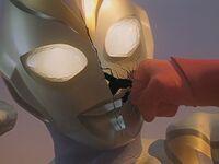 Imitation Ultraman Dyna face smash
