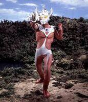 Ultraman-Taro 10