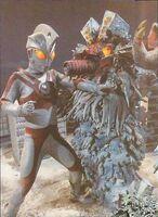Ultraman vs Snowgiran