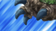 Cakar Kaiju dalam Episode 5