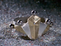 King Bracelet.png