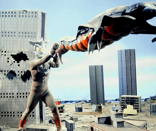 Terror of the Saucer Race Series - The Giant Bird Saucer Attacks Japan's Archipelago