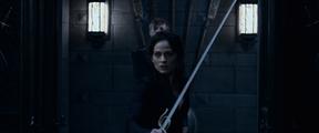 Underworld - Blood Wars (2016) Semira prepares to fight Thomas