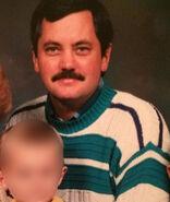 Robert-Bryan-McMahon-family-WHOTV-800x600