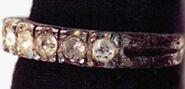 137UFTX multistone ring