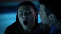 Hayley-Elijah in 1x6