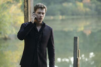 5x07 God's Gonna Trouble the Water-Klaus