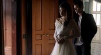 Hayley and Elijah in 1.10