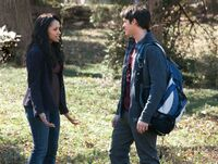 The-vampire-diaries-2x17-know-thy-enemy-bonnie-bennett-jeremy-gilbert-promo-02 mid