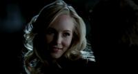 Caroline smiling to Klaus 3x15