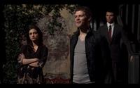 1x21-Hayley rolls her eyes at Klaus