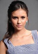 2011 Teen Choice Awards 02 Nina Dobrev