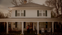 816-194~Elena~Jenna~John~Grayson~Miranda-Gilbert House-Afterlife