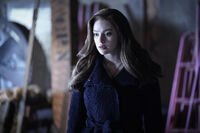 2x13 You Can't Save Them All-Hope 2