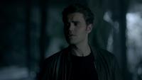 810-092-Stefan~Damon