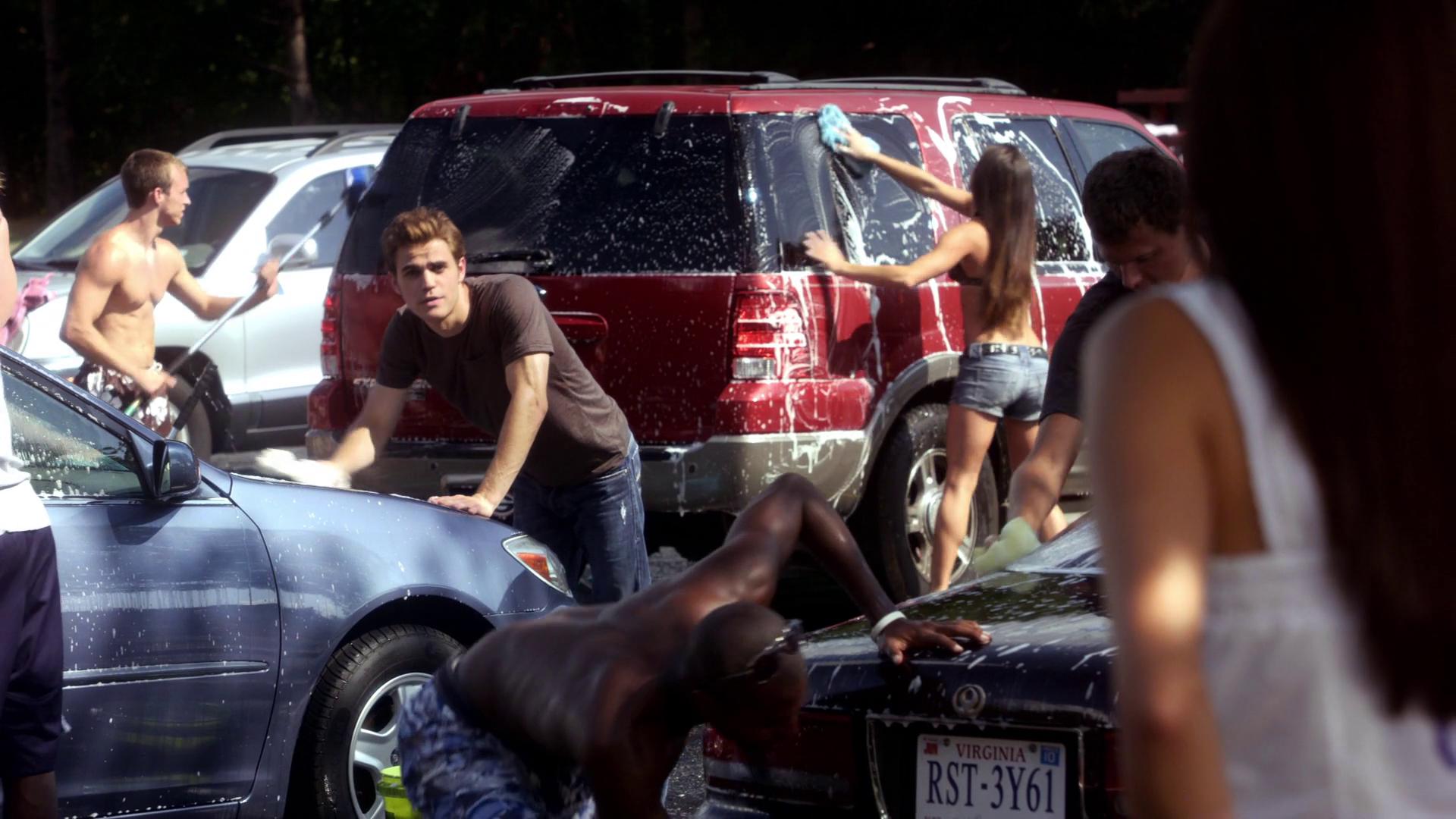 Sexy Suds Car Wash