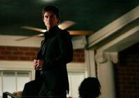 1x04-Family Ties (1)