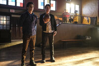 2x09 I Couldn't Have Done This Without You-Landon-Sebastian 2
