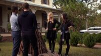 Normal TheOriginals209-0708RebekahHayleyKlausElijah