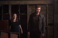 5x10 There in the Disappearing Light-Hope-Klaus