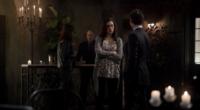 Hayley and Elijah in 1x12