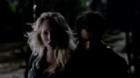 Stefan protects Caroline 4x16