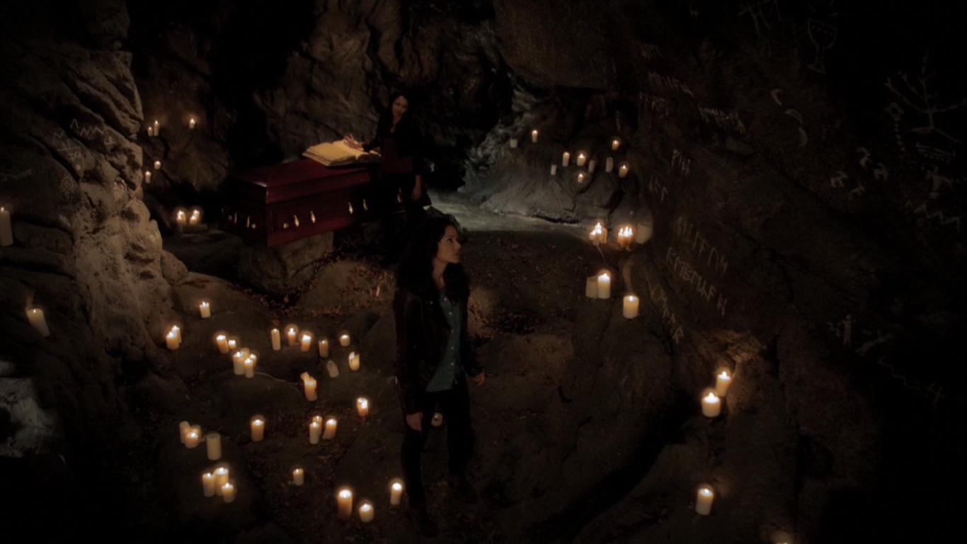 Höhlen- und unterirdische Tunnel