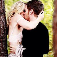Klaroline kiss...