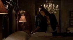 Elijah-Kla-Hayley 2x07.png