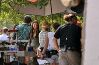3-04-behind-the-scene-the-vampire-diaries-24820003-500-333