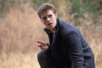 8x13 The Lies Are Going to Catch 7