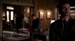 Hayley-Marcel-Elijah 2x17.png