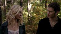 Caroline and Klaus walking 5x11
