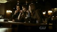 Damon-kelly-jenna-drinking-there-goes-the-neighborhood