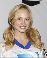 Candice-at-the-Celebrity-Beach-Bowl-2012-game-in-Indianapolis-04-01-12-candice-accola-28837333-1630-2000