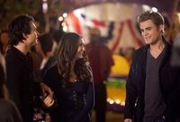Founder-s-Day-Behind-The-Scenes-the-vampire-diaries-12243489-450-303