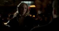 Caroline talking with Klaus 3x15
