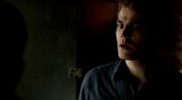 Stefan talking with Caroline 4x21