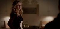 Caroline looking to Klaus 4x13