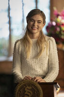 3x06 To Whom It May Concern-Lizzie