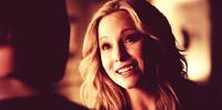 Caroline smiling to Klaus- 4x19