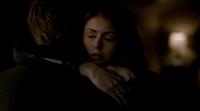 Stefan and Elena hug 5x19